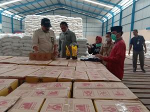 Pastikan Ketersediaan Beras Aman, Ketua DPRD Cek Gudang Bulog