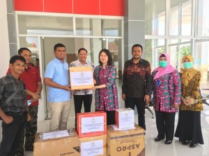 DPRD Provinsi Jambi Salurkan Bantuan Untuk Tenaga Medis Penanganan Covid-19