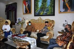 Ketua DPRD Provinsi Jambi Silaturahmi Forkopimda dan Kunjungi Orang Tua Lebaran Idul Fitri 1441 H